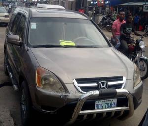 Honda CR-V 2004 Gold   Cars for sale in Lagos State, Apapa