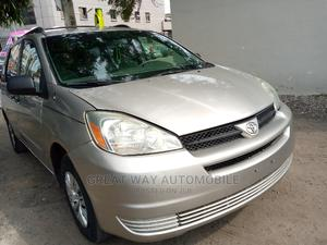 Toyota Sienna 2005 Gold | Cars for sale in Lagos State, Surulere