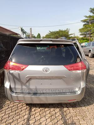 Toyota Sienna 2013 L FWD 7 Passenger Silver   Cars for sale in Lagos State, Magodo